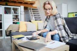 Struggling Financially After Divorce: Tips to Follow