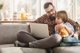 5 Ways to Keep Your Kids Busy While Working From Home