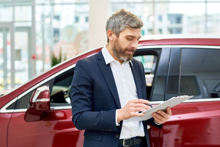 Making a Financial U-Turn: 6 Mistakes to Avoid When Selling Your Vehicle