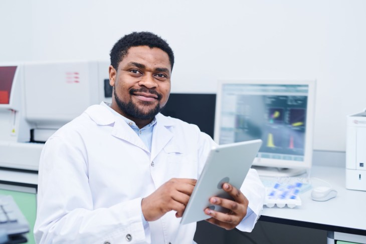 benefits of using an eln electronic lab notebook