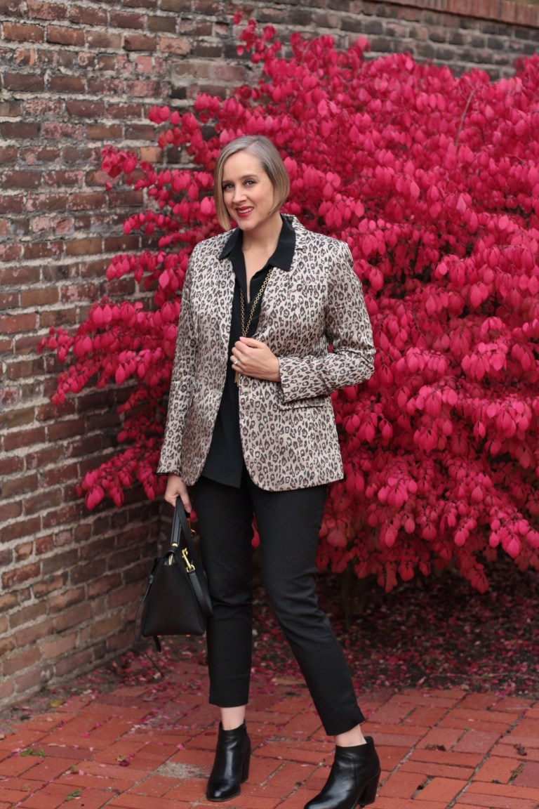Banana Republic leopard print blazer, 40+ style blogger, 40+ fashion blogger