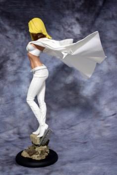 Emma Frost Premium Format Figure 002