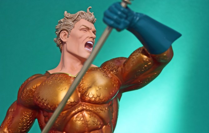 Heroes of DC Aquaman Bust 005