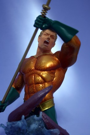 Heroes of DC Aquaman Bust 006