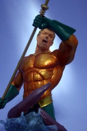 Heroes of DC Aquaman Bust 006