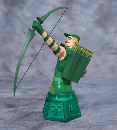 Heroes of DC Green Arrow Bust 002