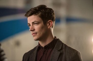 "DC's Legends of Tomorrow --""Invasion!""-- Image LGN207b_0195.jpg -- Pictured: Grant Gustin as Barry Allen -- Photo: Diyah Pera/The CW -- © 2016 The CW Network, LLC. All Rights Reserved."