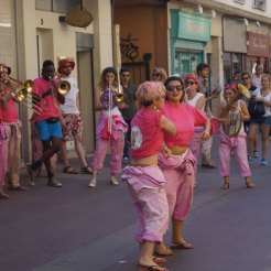 Effectivement, les MaKaBés dansent aussi !