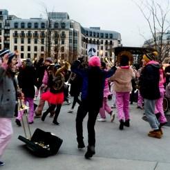 Fanfare jouant à Châtelet les Halles