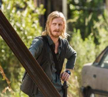 Austin Amelio as Dwight- The Walking Dead _ Season 7, Episode 4 -