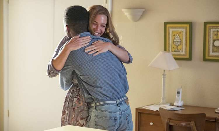"""THIS IS US -- """"A Philadelphia Story"""" Episode 302 -- Pictured: (l-r) Niles Fitch as Randall Pearson, Mandy Moore as Rebecca Pearson -- (Photo by: Ron Batzdorff/NBC)"""