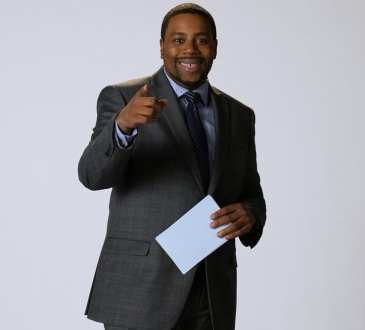 "SATURDAY NIGHT LIVE -- ""Matt Damon"" Episode 1755 -- Pictured: Kenan Thompson as Michael Strahan during the ""Oscar Host Auditions"" sketch on Saturday, December 15, 2018 -- ("