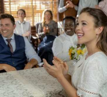 Photo: Kavan Smith, Erin Krakow Credit: ©2019 Crown Media United States LLC/Photographer: Eike Schroter