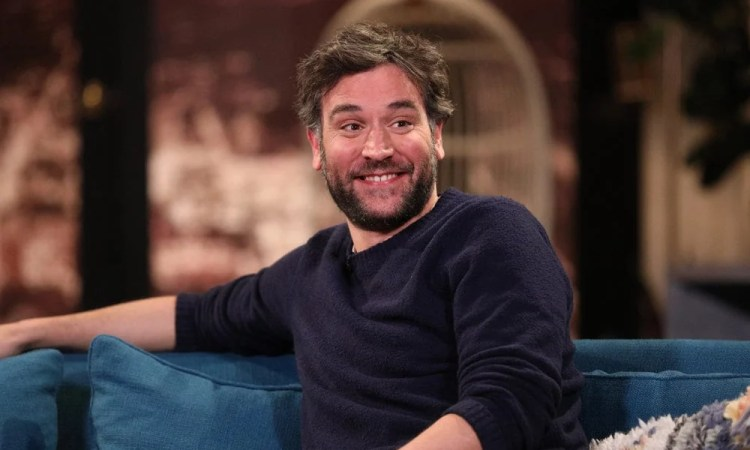 BUSY TONIGHT -- Episode 1044 -- Pictured: Guest Josh Radnor on the set of Busy Tonight -- (Photo by: Jordin Althaus/E! Entertainment)