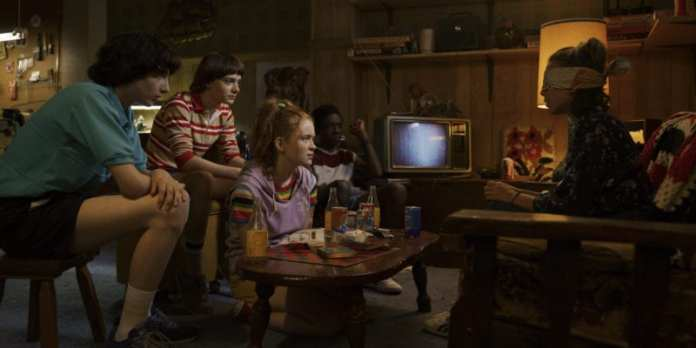 Finn Wolfhard, Noah Schnapp, Sadie Sink, Caleb McLaughlin, Millie Bobby Brown, Sadie Sink in Stranger Things 3 photo credit: Netflix