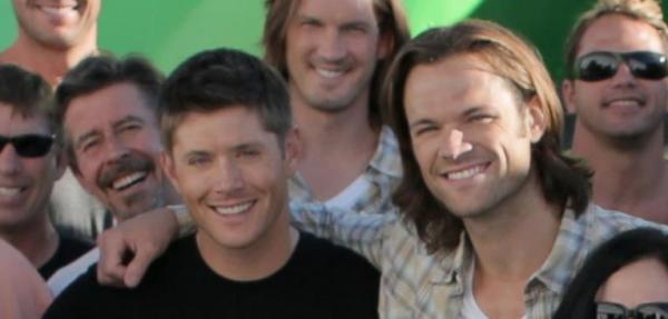 Jensen and Jared adding their smiles (tweet moonlightinvan)