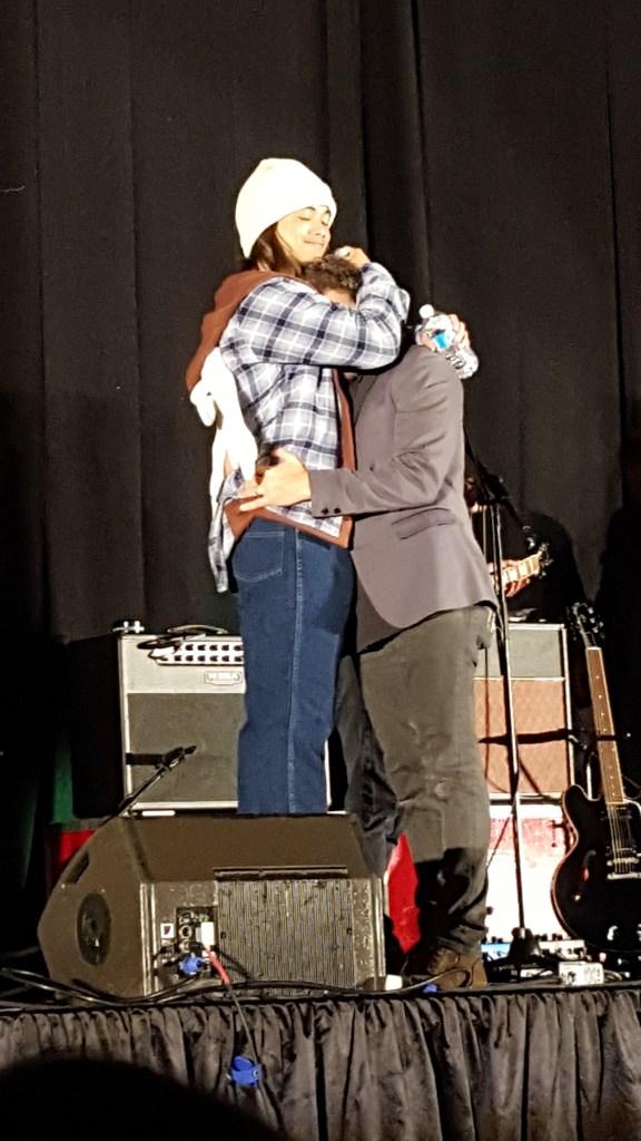 Osric (as Sam) hugs Rob
