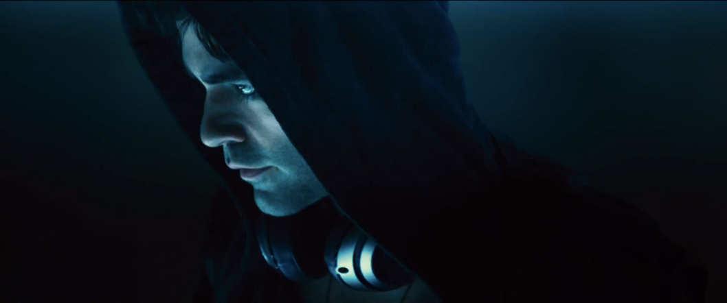 Vince (Adrien Grenier) in a hoodie for Entourage movie