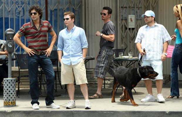 Cast of Entourage with dog Arnold