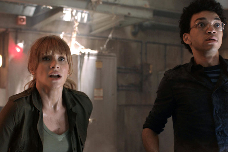 Bryce Dallas Howard and Justice Smith in Jurassic World: Fallen Kingdom