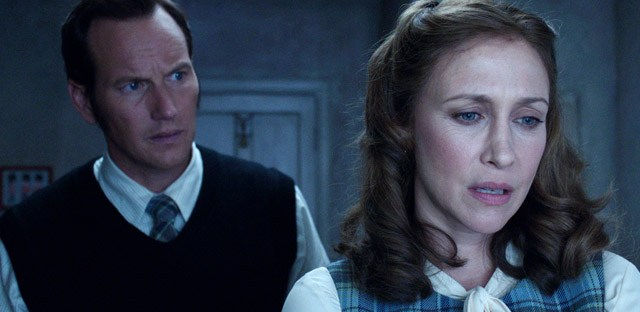 Vera Farmiga and Patrick Wilson talking in The Conjuring 2