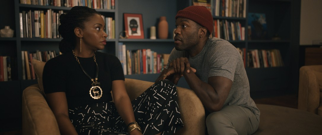 Yahya and Teyonah Parris talking in Candyman