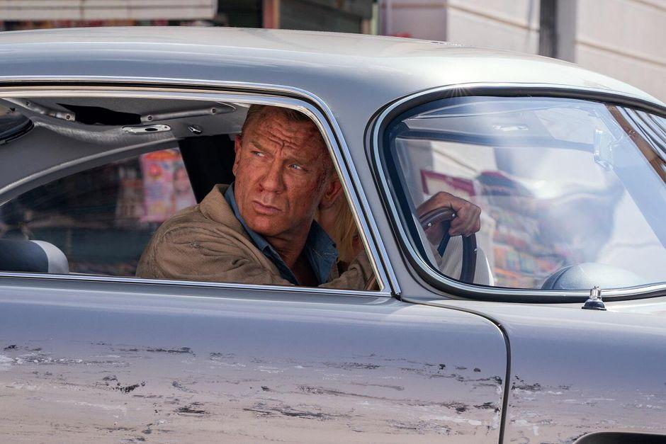 James Bond driving car Daniel Craig