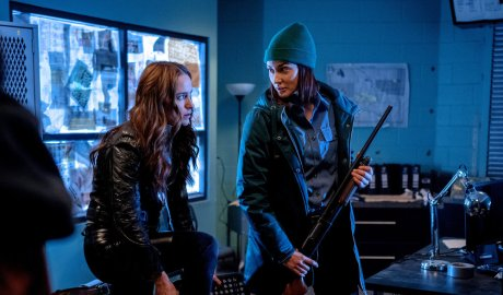 "'Wynonna Earp' 4x01 Review: ""On the Road Again"""
