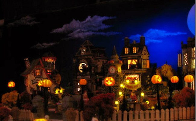 Tiny Houses Of Horror A Guide To Starting A Halloween