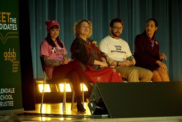 Alison (TATIANA MASLANY), Stacey Horwitz (Mary Kelly), Bob Buckingham (David Bronfman), Marcy Coates (Amanda Brugel)