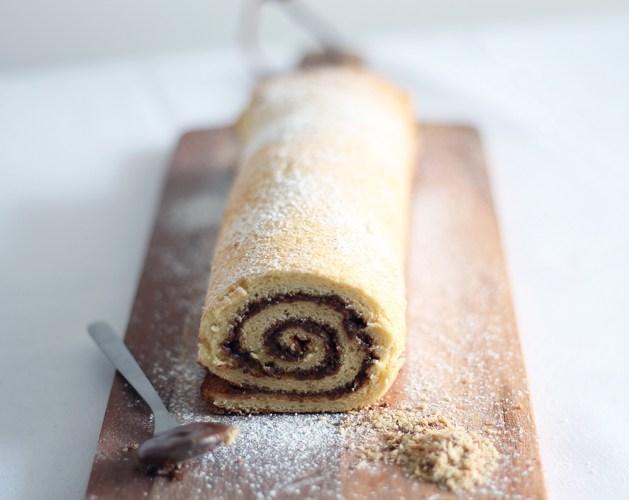 Recette du roulé au Nutella et noisettes sur le blog food : fannyalbx.com