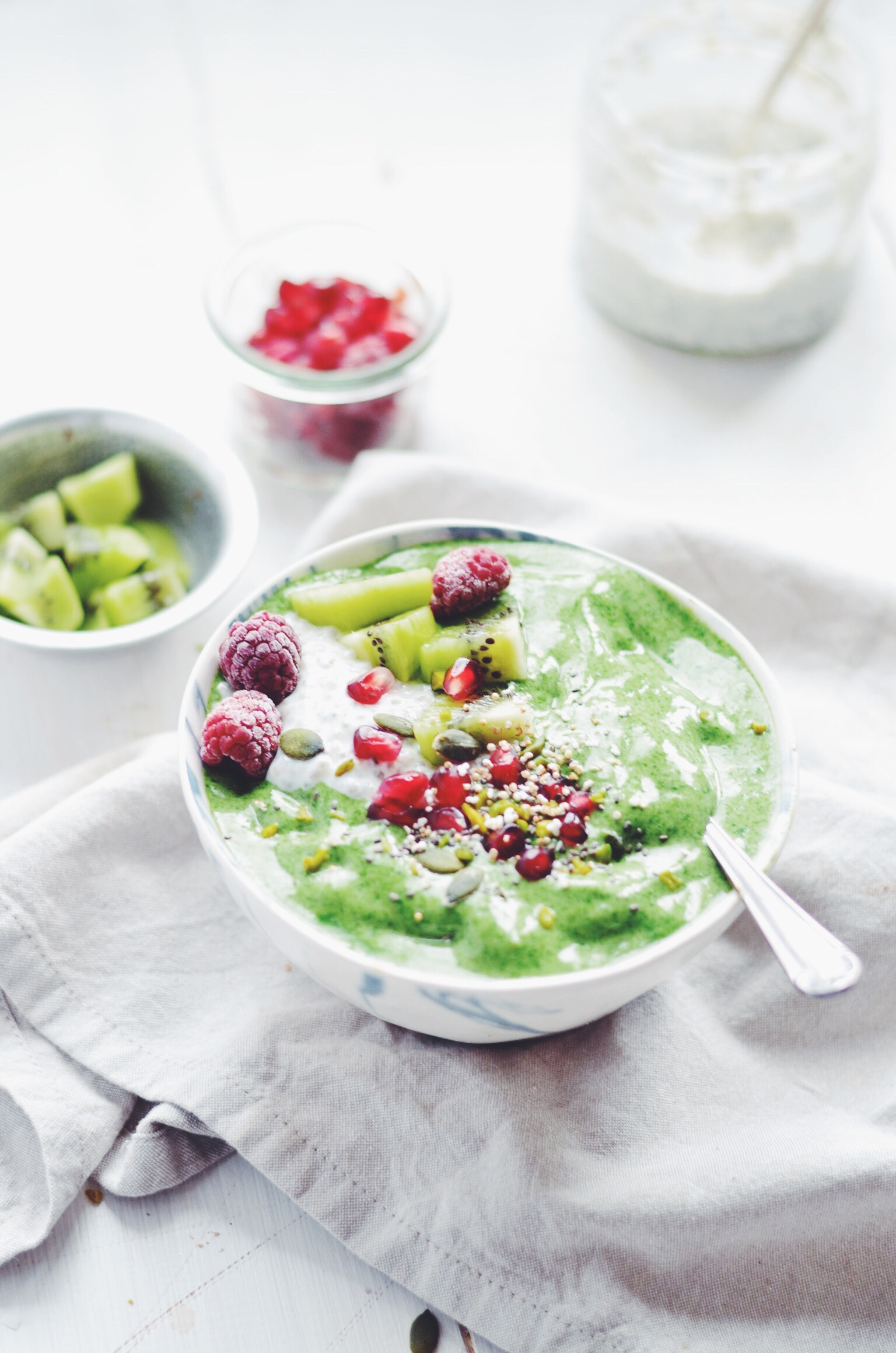 basic green smoothie bowl