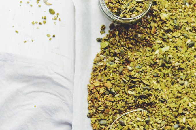 My weekly granola session – Matcha maple granola