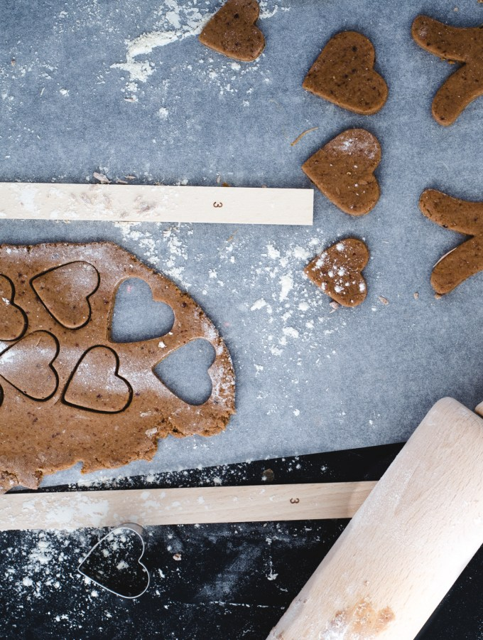 Gingerbread cookies (vegan, refined sugar-free, oil-free)