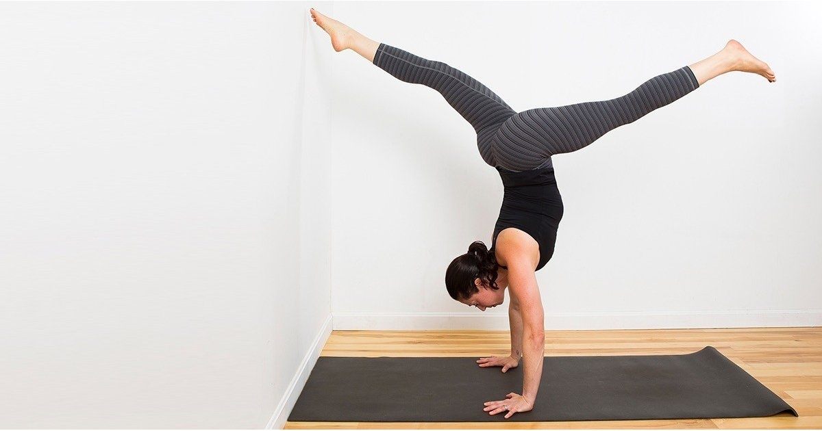 Simple yoga for busy days - Rising Star Leggings