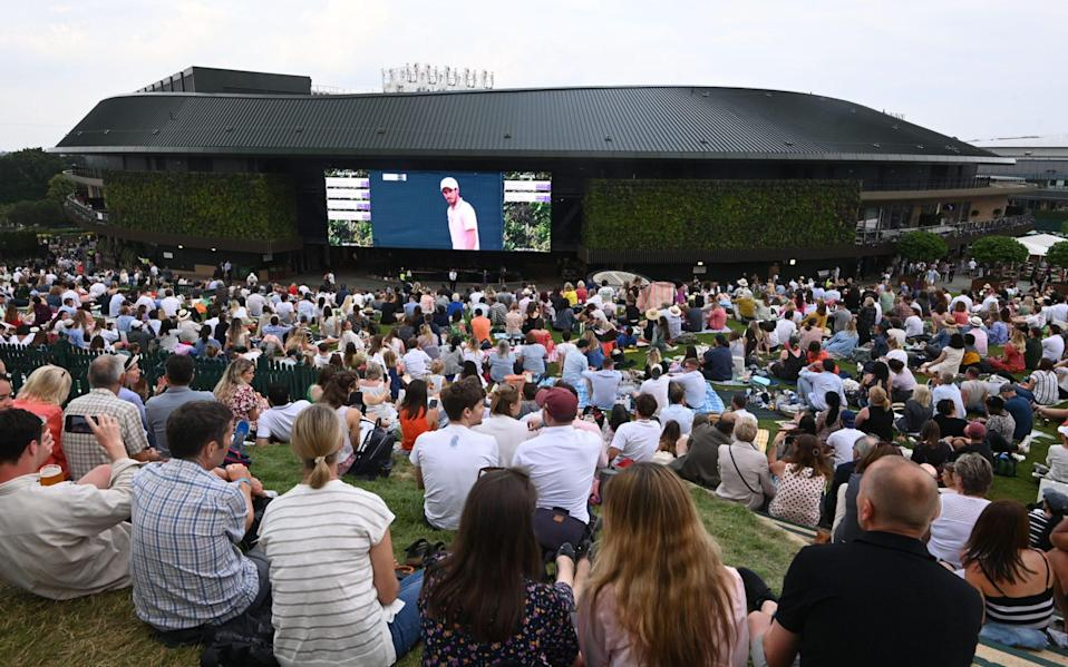 No shortage out outside support for Murray - REUTERS