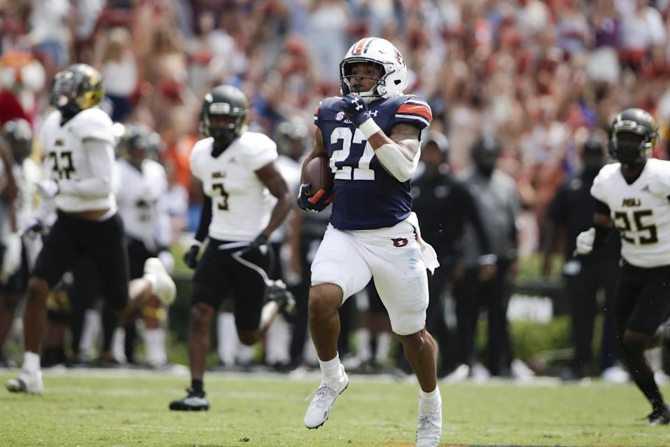 Auburn running back Jarquez Hunter breaks away for a touchdown against Alabama State.