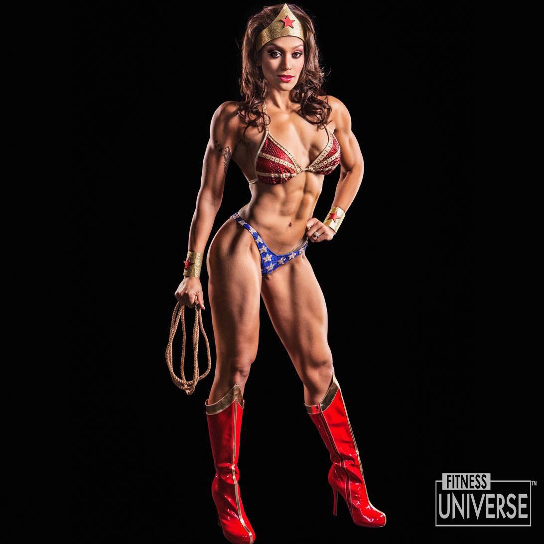 Vuoi vedertela con Wonder Woman?