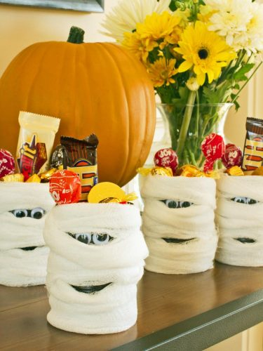 Mummy Candy Cans - Kid-Friendly Halloween DIY Projects