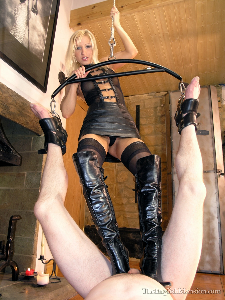 Free femdom galleries of great Femdom Mansion pay site