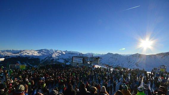 Rave on Snow 2015
