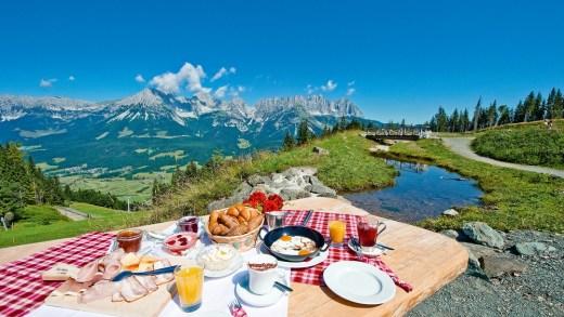 SkiWelt boven op de berg ontbijten