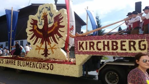 De 25e Bloemencorso Kirchberg in Tirol
