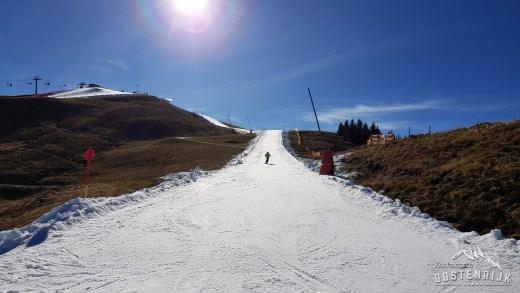 Kitzbühel, seizoenstart op de Resterhöhe in oktober alleen als het gesneeuwd heeft