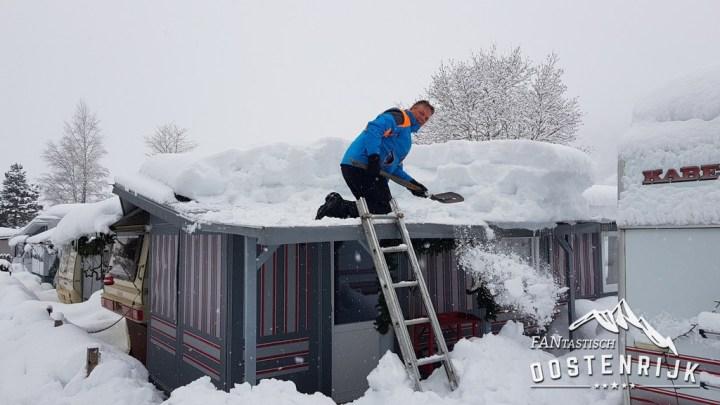 Brixen im Thale CampingWelt sneeuwruimen
