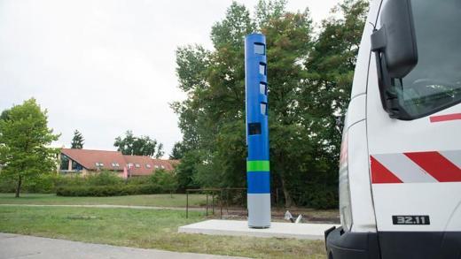Blauwe palen op de autobahn zijn geen flitsers