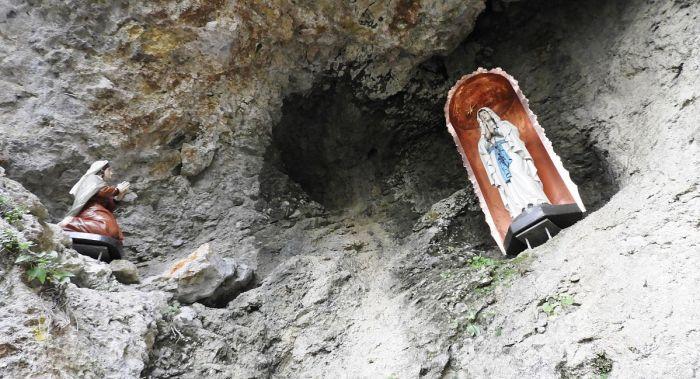 St Johann Lourdesgrot
