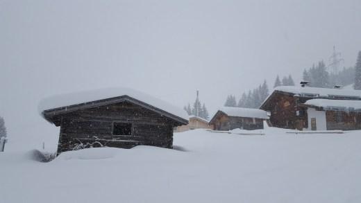 Sneeuwdump in de zomer, halve meter sneeuw in bergen!