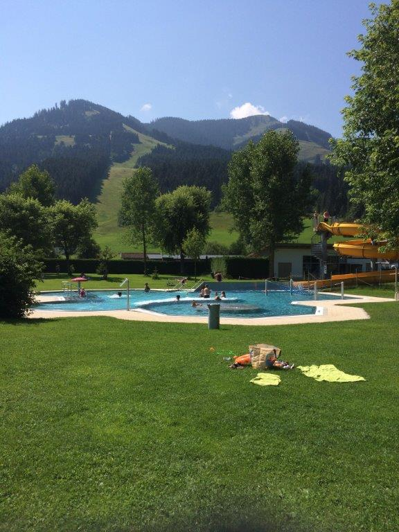 Brixen im Thale Zomer Zwembad