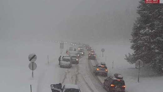 Fernpass sneeuwkettingen omdoen